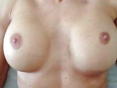 Mamuśka pieprzyła się do orgazmu