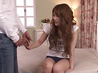 Rika Aiba在日本媽媽的吮吸更多魔術