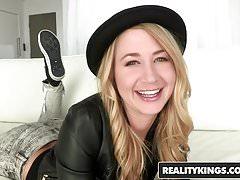 RealityKings - Teens Love Riesenschwänze - Chris Strokes Mandy A
