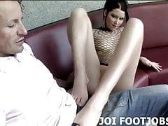 Wypoleruj moje stopy, abym mógł dać ci footjob
