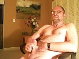 Slim daddy bear jerking on cam