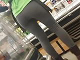 Store worker teen leggins 2