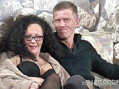 MILF Couple dans Fuck Rush