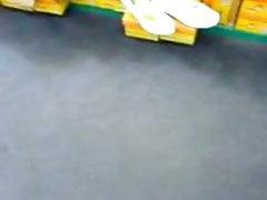 V obchodě s botami