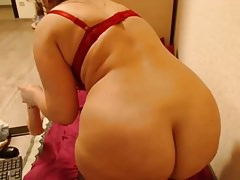 Juicy webcam slut teases & sits on dildo