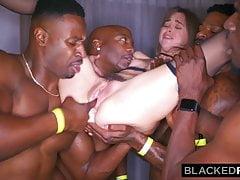 BLACKEDRAW Moja dziewczyna została gangbangowana na after party