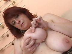 KAROLIN (40)