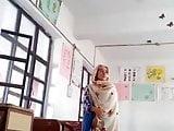 Pakistani School teacher mms leaked