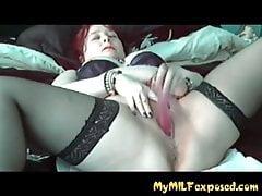 Meine MILF Exoised Thik Frau In Strümpfen Mit Pussy Spielen