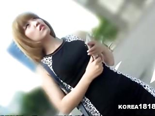 短发韩国女孩