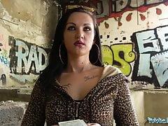 Agente pubblico Sexy corpo tatuato stretto scopato