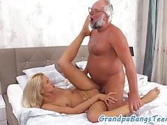 Anziani delle dita adolescenti Cockriding stronzo
