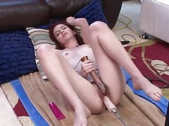 Hot Hairy Redhead a nohy
