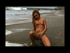 Squirting Beauty On Beach BVR