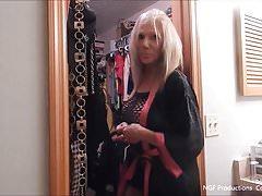 Besichtigen Sie den versauten Kleiderschrank von Sofia