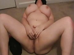 Lateshay masturbating with vibrator shaking my 36 F tits
