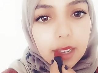 Algerian 18 Years Old video: Imene sale pute hijabitch se maquille gueule a sperme