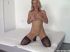 Czasting - Sexy MILF wird von einem riesigen Schwanz gefickt