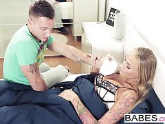 Babes - Step Mom Lessons - Kayla Green und Matt Ice und Oliv