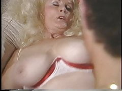 Mature lady gets guy to lick and suck on her pussy hard and fast