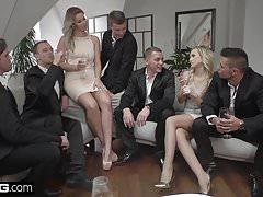 Glamkore - Vinna i Nikky przyjmują pięciu facetów za grupowe pieprzenie
