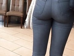 Hot Jeans Ass Ebony (Segui)