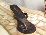 mecos en la sandalia