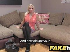 Fake Agent UK Süße geile MILF mit rasierter Muschi beim Ficken