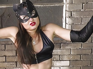 Teen Bondage Babe video: Kitty Girl Vs La Madame