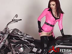 EMILY MARILYN BIKE PINK LATEX