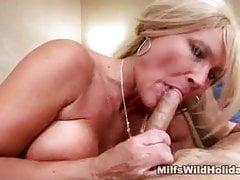 Kogut ssący Milf Roxy Fucked
