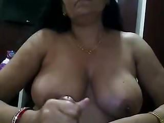 Handjobs Indian Giving video: mature lady obeying BOSS giving handjob for promotion