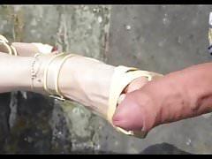 Shoejob Sperma auf Schuhfüßen Outdoor