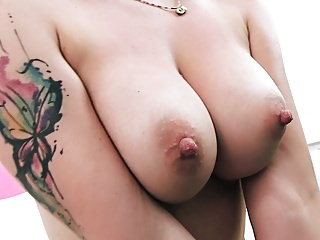 Teens Pussy porno: Sexy Teen Blonde Slut Has Big Cameltoe Big Tits & Round Ass