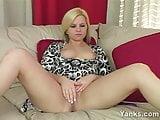 Yanks Amateur Brittany Ann Rubs Her Asshole