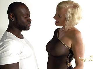 Blonde MILF vs BBC, notgeile Milf mit dicken Titten wird vom