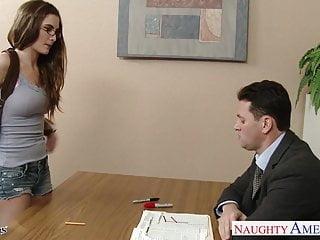 性感的男女同性戀在眼鏡莫莉簡他媽的在教室裡