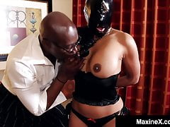 Asian Milf Maxine X ottiene BBC Face & Pussy scopata! Dannazione!
