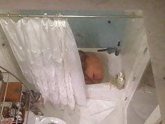 Cute San Francisco Gal In Tub