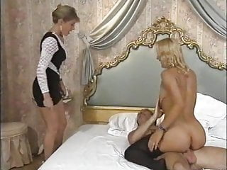 German Double Penetration Blowjob video: Vienna Connection (1998)