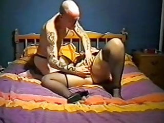 Fisting Wife Retro video: 1 man and 1 woman UK homemade
