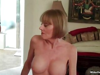 porno zadarmo - Wonderful GILF Sex Adventures
