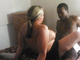 Amateur Cuckold Swingers video: slutwife with lucky man and hubby film