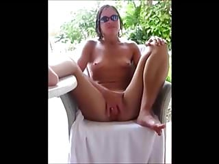 Porno video: Holiday wife plays.