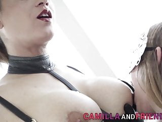 Blowjob Shemale video: Latex clad tgirls in threeway spitroast