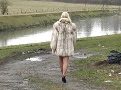 Chodzenie w futrze lisa 3