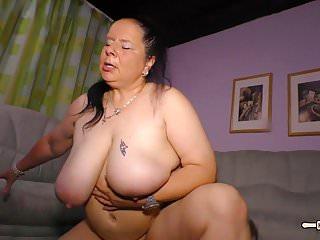 hausfrau ficken德國奶奶亂搞她的丈夫在相機上