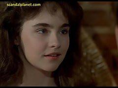 Diane Franklin En Amityville II ScandalPlanet.Com