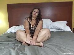Laura Hernandez Mexican BBW Big Legs