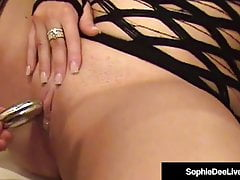 Bella Brit Sophie Dee Sex-Toyed di Sindee-Jennings!